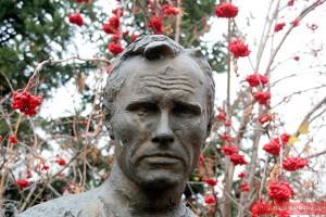 Памятник Василию Шукшину