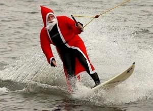 Дед Мороз самый крутой тусовщик, поэтому вы должны научиться заводить публику с пол пинка