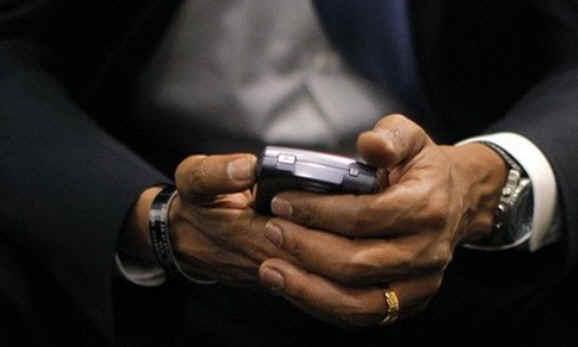 Мистер «Я не могу отвести взгляд от своего крутого Blackberry»