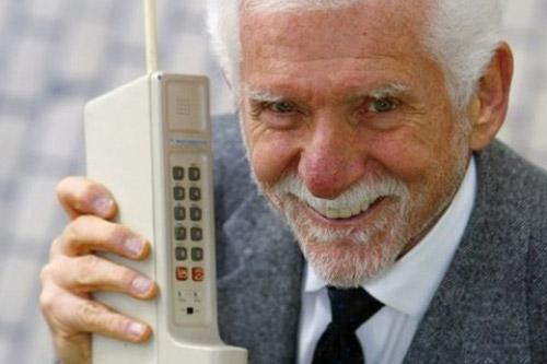 Мистер «Я пользуюсь телефоном, пока он совсем не сломается»