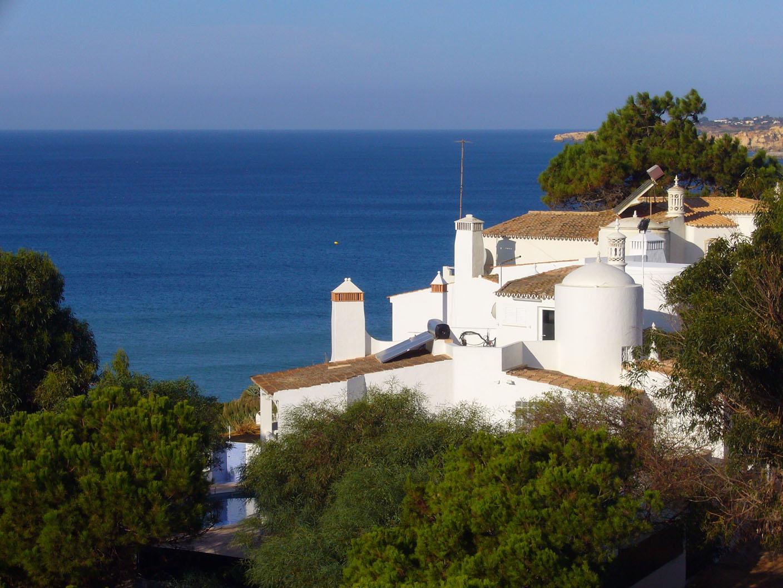 Девятое место — Албуфейра (Португалия) — может похвастаться мягким климатом и хорошей кухней.