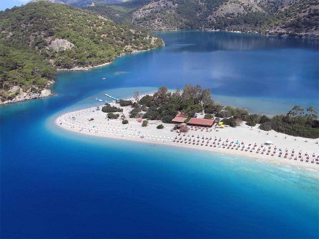 Первое место — курорт Олудениз (Турция)