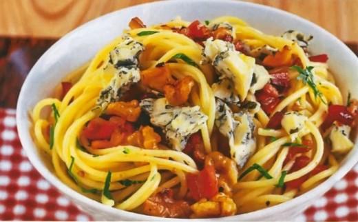 Спагетти с соусом из грецких орехов