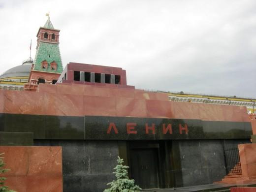 Кремль оставил за собой право распоряжаться телом Ленина