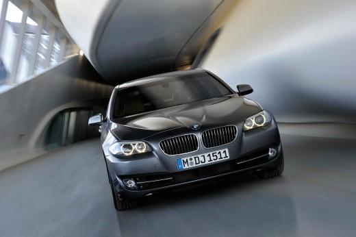 Названы самые безопасные автомобили 2010 года