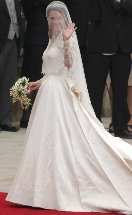 Платье невесты Кейт Мидлтон от Сары Бёртон