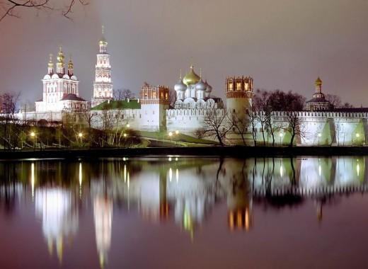 В Москве построят 8 православных храмов