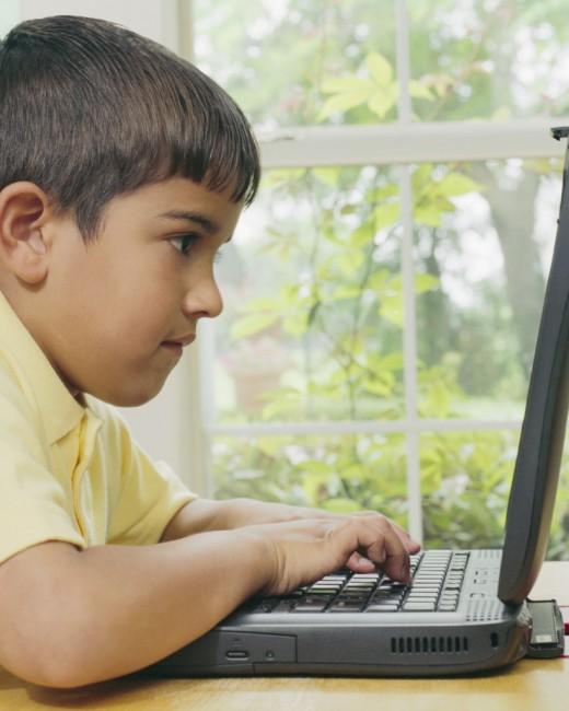 Касперский: детям грозит опасность в Интернете