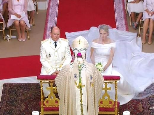 Князь Монако обвенчался с Шарлин Уиттсток