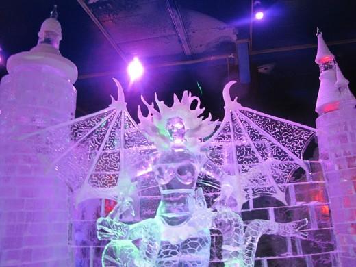 Ежегодные и круглогодичные выставки ледяных скульптур в Москве