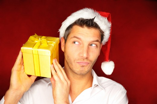 На новогодние подарки для мужчин украинки тратят около 1000 гривен