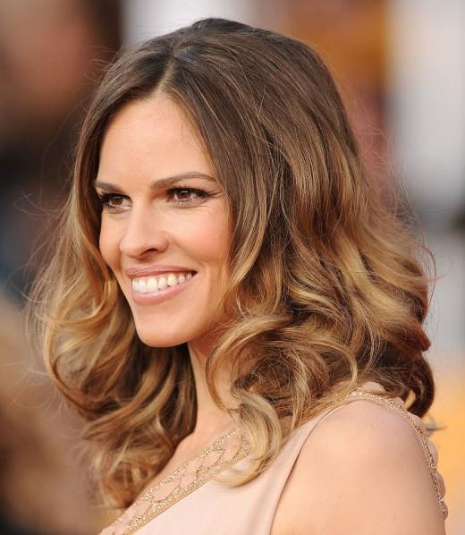 Причины популярности среди многих женщин такого процесса, как брондирование волос