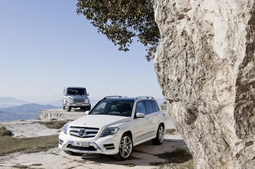 Компания Mercedes-Benz спрятала обновленный G-Class на фотографии GLK