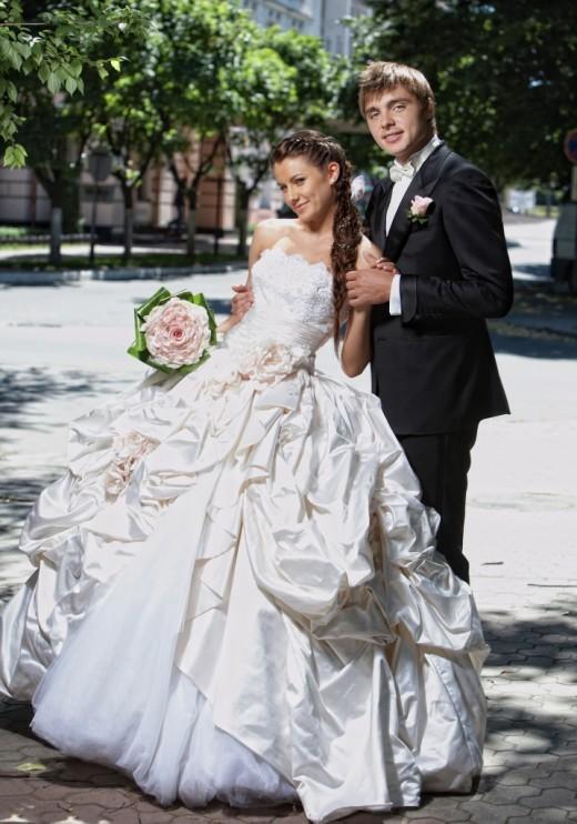 Свадебный наряд для невесты и жениха