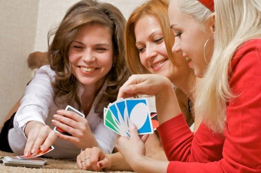 В настольные игры играют все - это не зависит ни от социального статуса, ни от возраста
