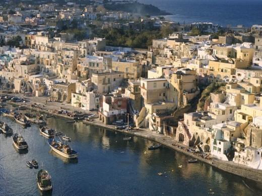 В Неаполе туристам предлагают пройтись по криминальным местам