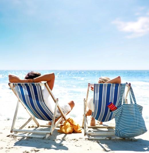 Отпуск нам портят родственники, начальство и погода