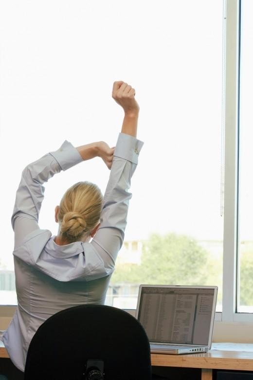 8 действий, как взбодриться на работе