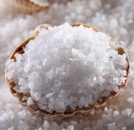 Приносит ли пользу морская соль