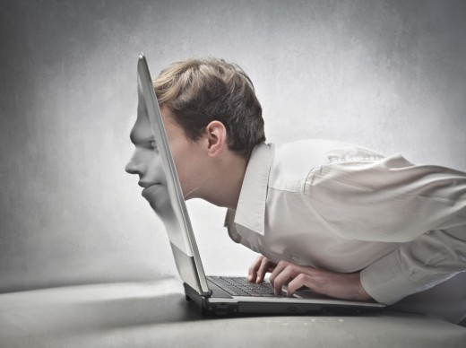 Интернет в офисе: верный помощник и убийца времени