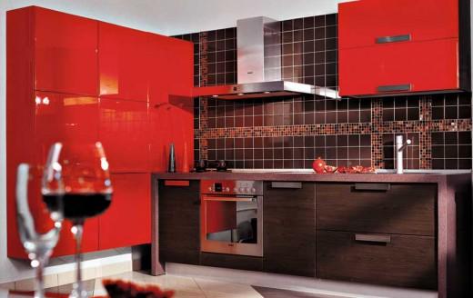 Good Mebel: кухонные гарнитуры для легкомысленной блондинки и железной леди