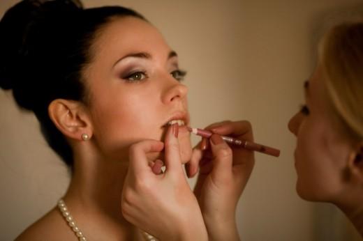 Шопинг сопровождение и услуги визажиста способны сделать любую девушку неотразимой