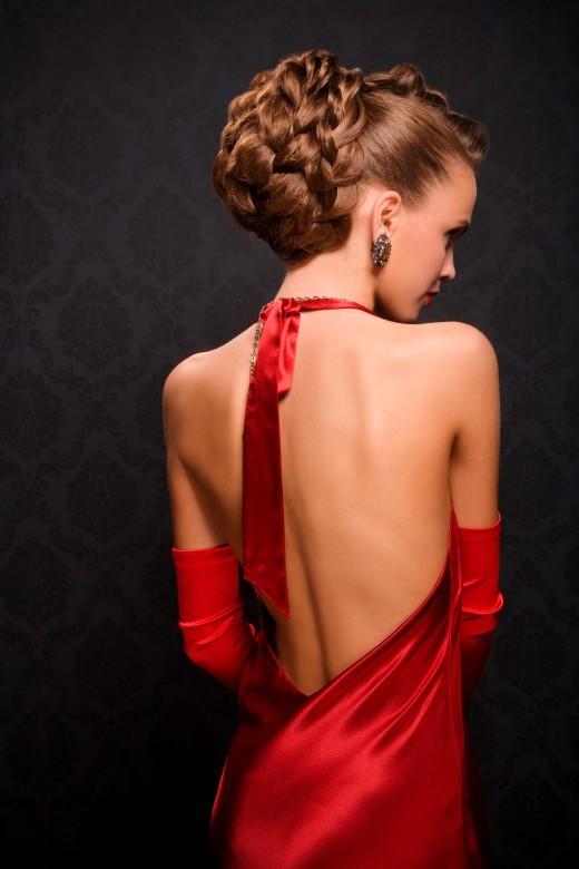 Женщина в красном…