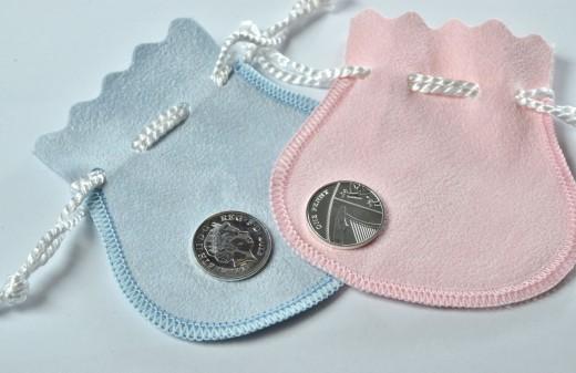 Младенцам, рожденным в один день с британским наследником, подарят серебряные пенни