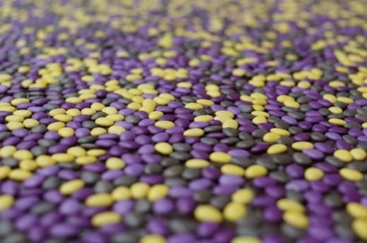 В Англии на пляже возвели замок из 90 тысяч шоколадных конфет