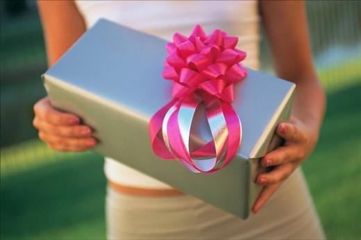 Где купить необычные и интересные подарки?