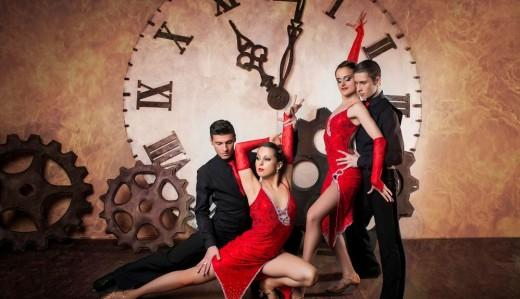 Какие танцы исполняются взрослыми на Новогодних корпоративах
