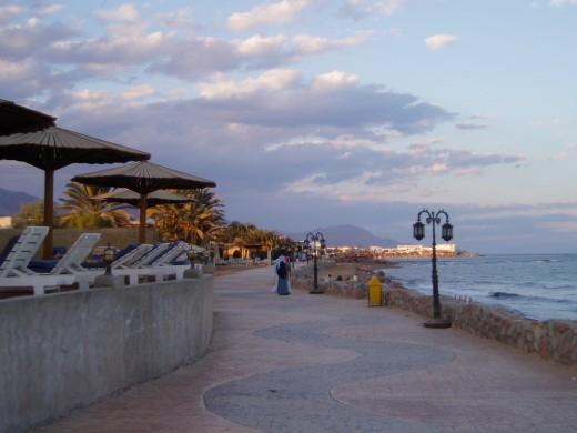 Чем известен город-курорт Дахаб?