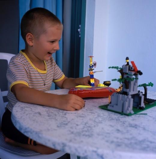 4 методики подбора недорогих игрушек для мальчика в Одессе