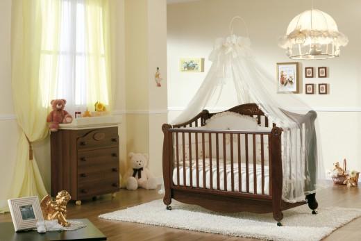 Как повесить балдахин на детскую кроватку?