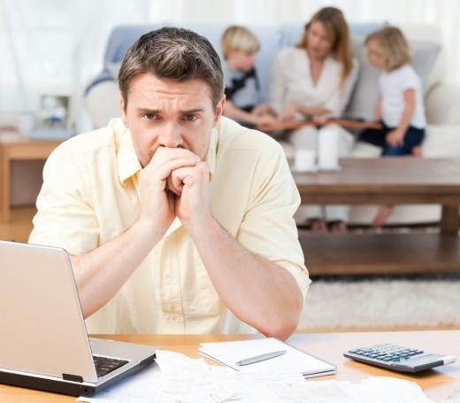 Стресс из-за финансовых проблем может вызывать физическую боль
