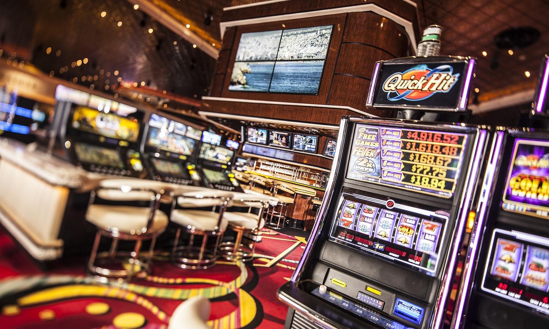 Украинские казино с «дающими» слотами
