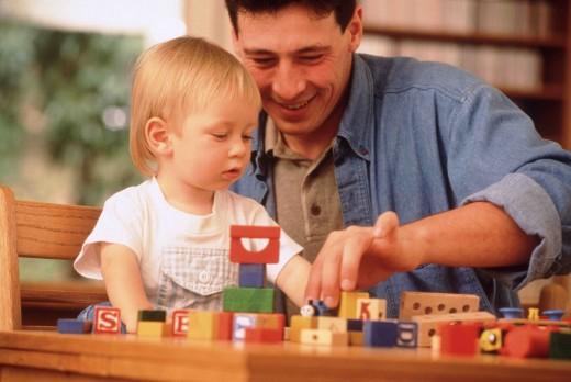 """Играйте с малышом! Пусть ребенок знает, что в конце шумного дня его ждет """"тихая пристань"""" с самым любимым человеком на свете»."""
