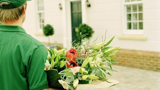 Доставка цветов – где заказать праздничный букет?