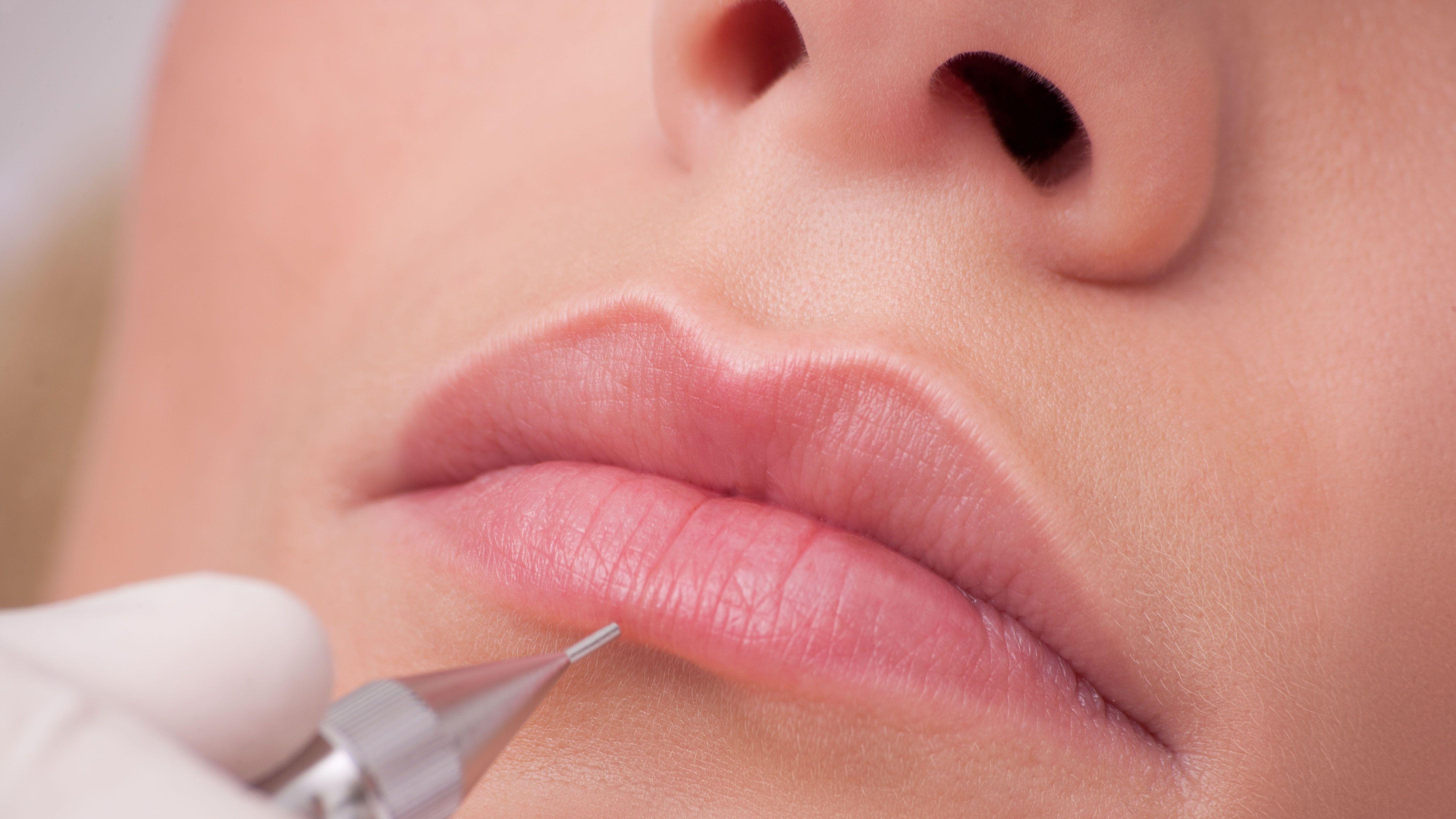 Татуаж губ: кратко и познавательно о популярной косметологической ...