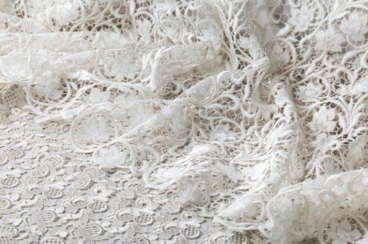 Где купить ткань для свадебного платья?
