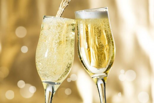 "Шампанские и игристые вина от сети винотек ""Vin à la Carte"""