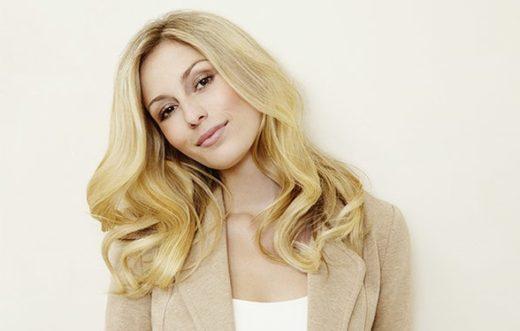Блондинки призывают улучшить наш мир