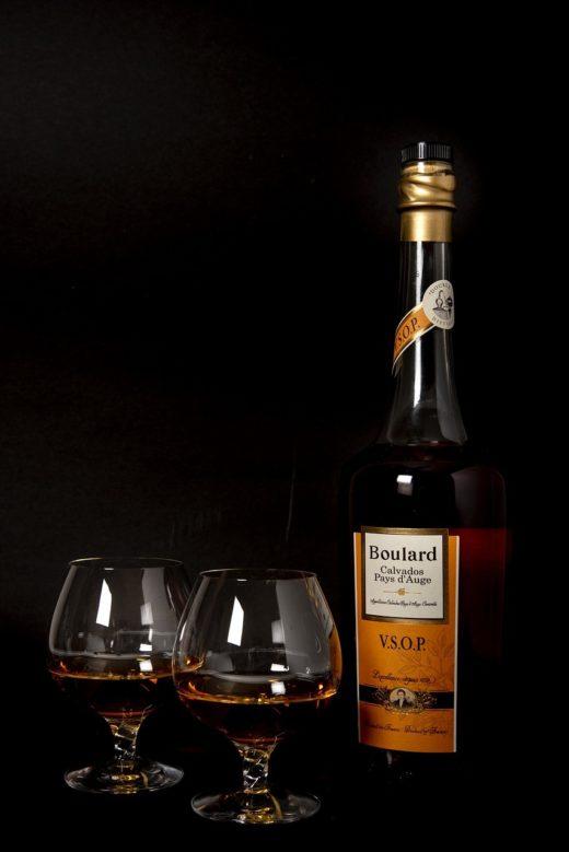 Кальвадос – элитный алкогольный напиток родом из Нормандии