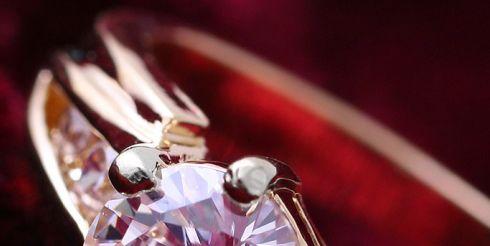 Кольцо с бриллиантами из золота — подарок, говорящий сам за себя