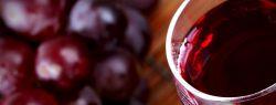 Красное вино и ягоды заменяют виагру