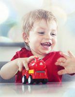 Как выбрать игрушку машинку для ребенка