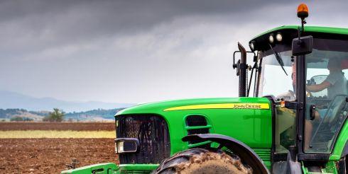 Аккумулятор на трактор «МТЗ»: особенности и требования по выбору
