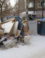 Новый год завалил страну мусором