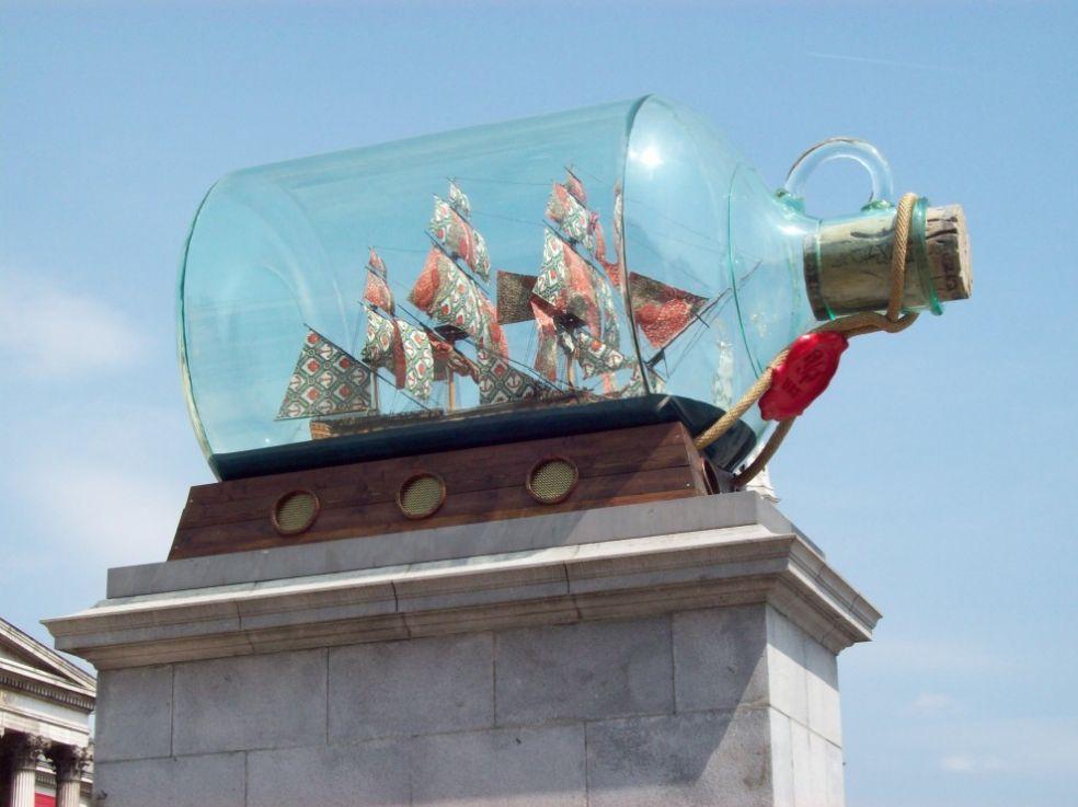 Флагман адмирала Нельсона в стеклянной бутылке