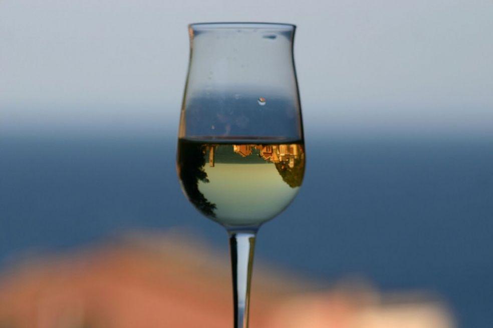 Отель в бокале вина
